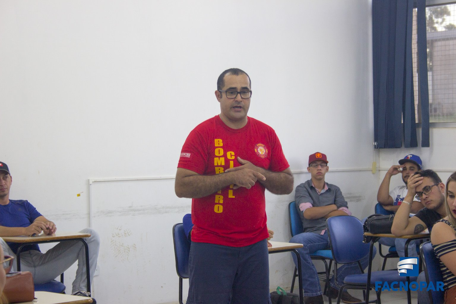 Acadêmicos de Recursos Humanos e Agronegócio recebem palestra sobre noções  de primeiros socorros, prevenção e combate à incêndio! 23266bb6a1